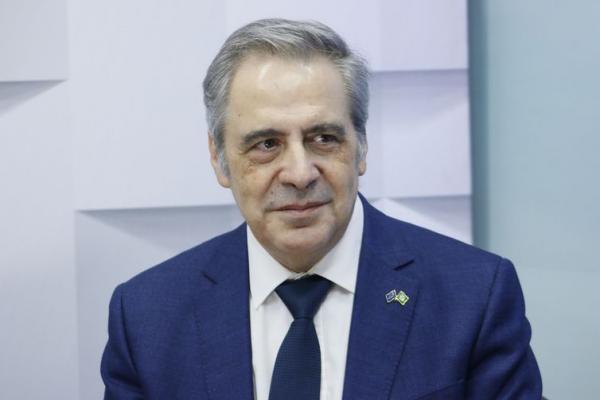 Brasil e Europa vão ser interligados por novo cabo submarino