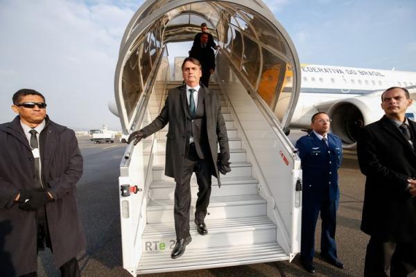 Em Davos, o presidente Jair Bolsonaro diz que vai buscar investimentos para Brasil