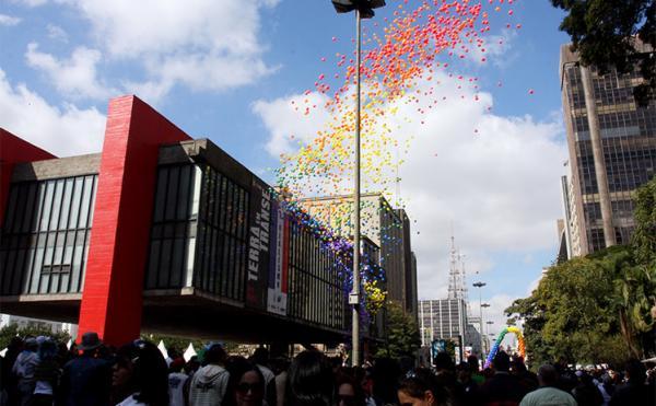 Neste fim de semana, visite a Avenida Paulista, o coração econômico do país