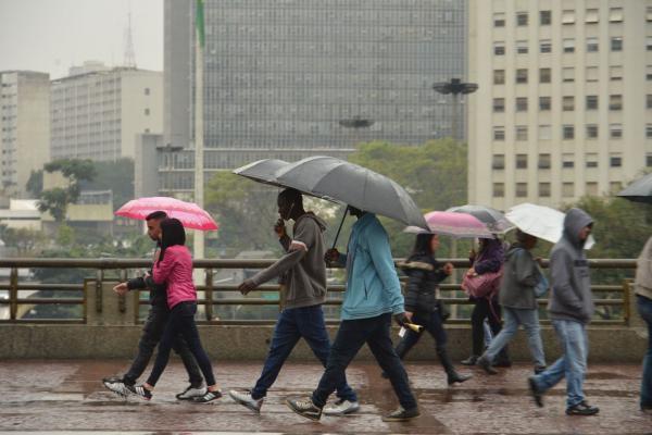 Chuva forte nessa segunda-feira causa transtornos na Grande São Paulo