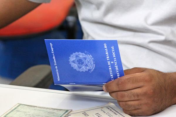 Indicadores do mercado de trabalho da Fundação Getúlio Vargas mostram melhora em janeiro