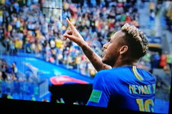 Brasil vence a Costa Rica por 2 a 0, Gols de Neymar e Philippe Coutinho
