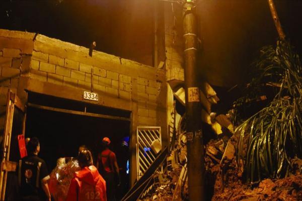 Após desabamentos, 4 crianças morrem em Mauá, na Grande São Paulo