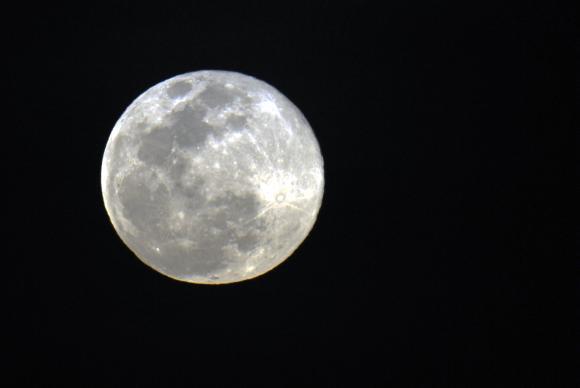 Maior superlua do ano pode ser vista na noite desta terça-feira, 19