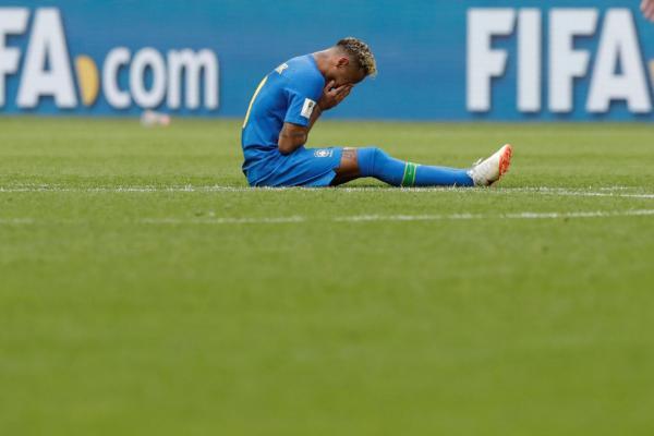 Neymar reage a críticas e desabafa nas mídias sociais