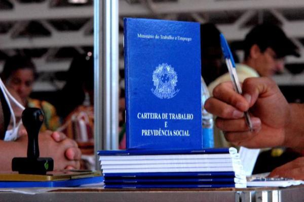 Desemprego volta a crescer no Brasil e atinge 12,7 milhões de pessoas