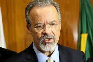 Ministro defende distinção entre traficante e usuário de drogas
