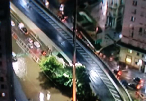 Chuva forte causa transtorno no Centro de São Paulo