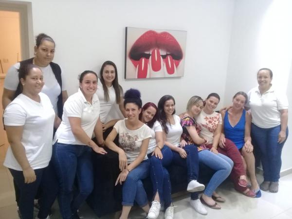 Colunista Vilma Kovacs homenageia mulheres em Taboão da Serra