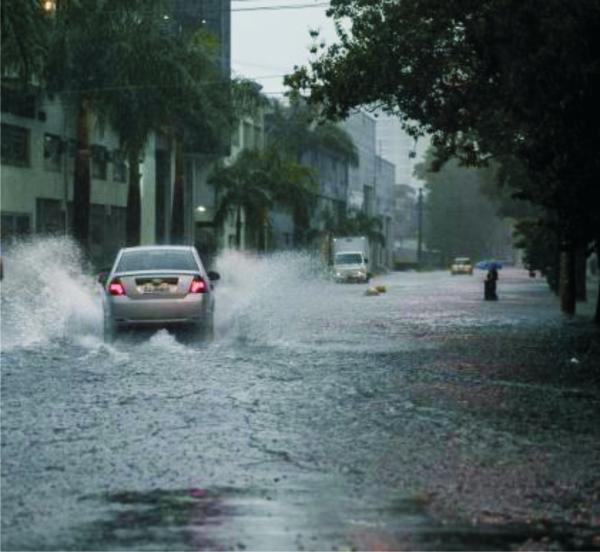 Chuva forte que atingiu a grande São Paulo causa transtornos e mortes