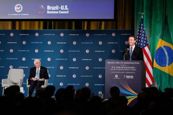 Bolsonaro visita CIA e quer estreitar o combate ao crime organizado
