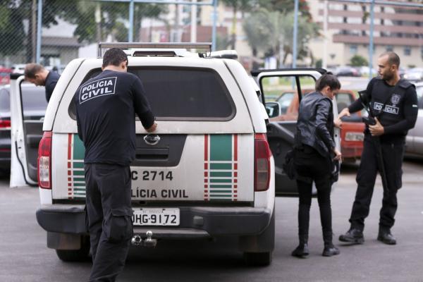 Polícia combate exploração sexual contra crianças na internet em todo o Brasil