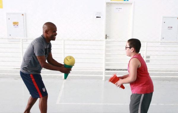 Prefeitura de Taboão da Serra oferece atividades físicas para crianças com autismo