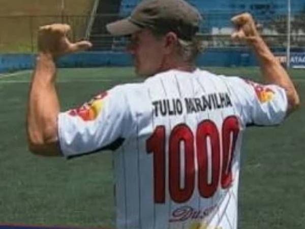 Aos 49 anos, Túlio Maravilha marca seu gol n° 1001 jogando no Taboão da Serra