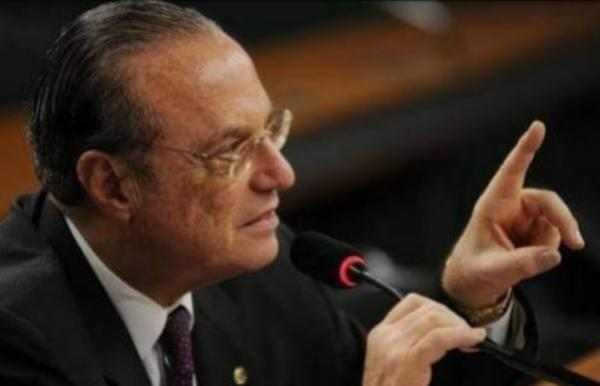 Paulo Maluf recebe alta hospitalar após tratar pneumonia em São Paulo