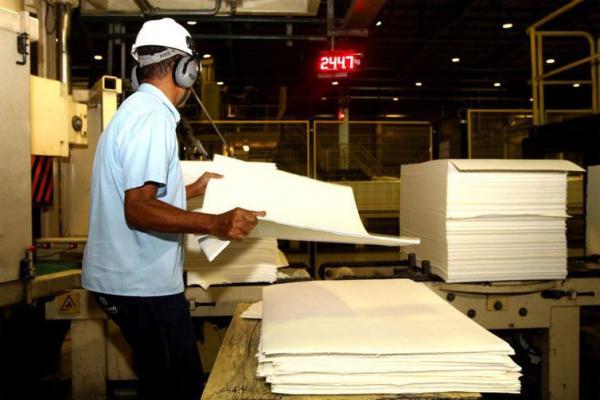 Produção industrial no Brasil cresce 0,7%, revela pesquisa do IBGE