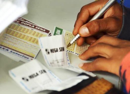 Mega-Sena sorteia nesta quarta-feira no Espaço Loterias Caixa, em São Paulo, prêmio de R$ 15 milhões