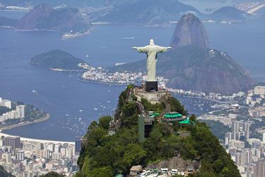 Rio de Janeiro e cidade entra em estágio de atenção devido aos temporais