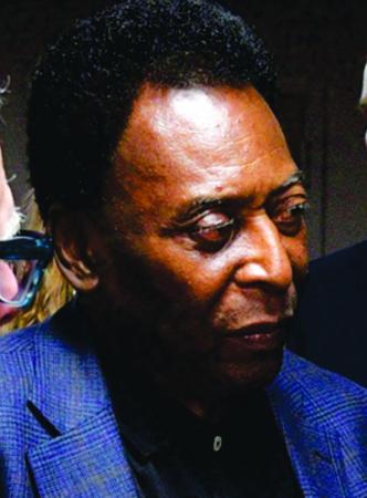 Pelé é internado no Hospital Albert Einstein em São Paulo