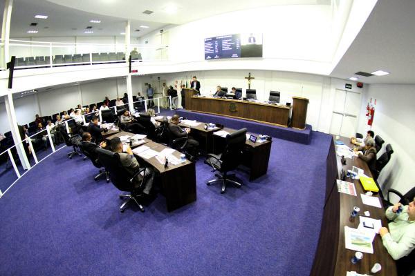 Prefeito Fernando Fernandes tem as contas de 2014 aprovadas pela Câmara de Taboão da Serra