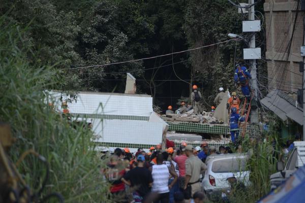 3 pessoas têm as prisões decretadas pelas mortes causadas na queda dos prédios no RJ
