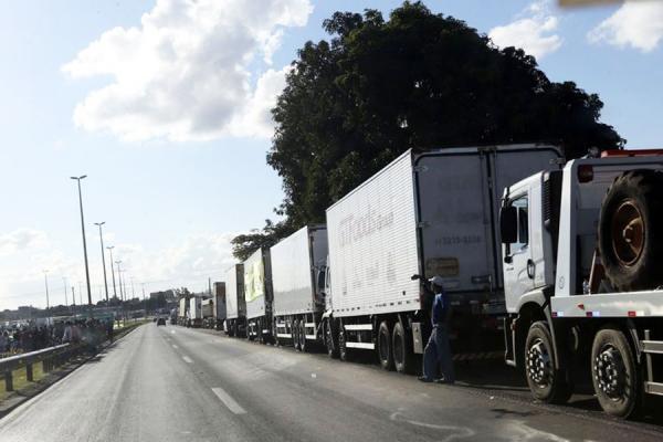 Presidente Bolsonaro não vê motivos para greve dos caminhoneiros, diz porta-voz