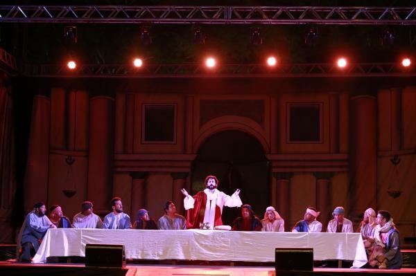 Milhares de pessoas foram à 63ª Paixão de Cristo de Taboão da Serra