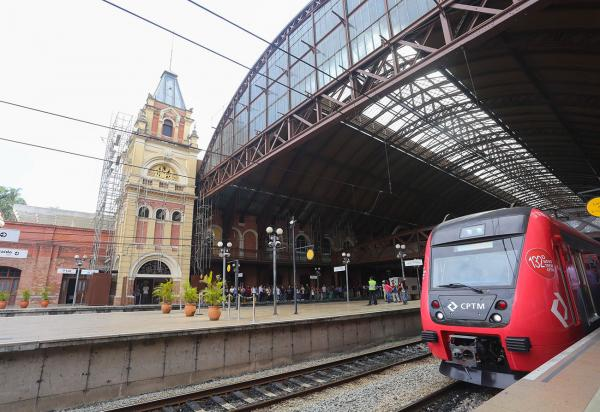 São Paulo: Estação da Luz celebra Dia Internacional da Língua Portuguesa