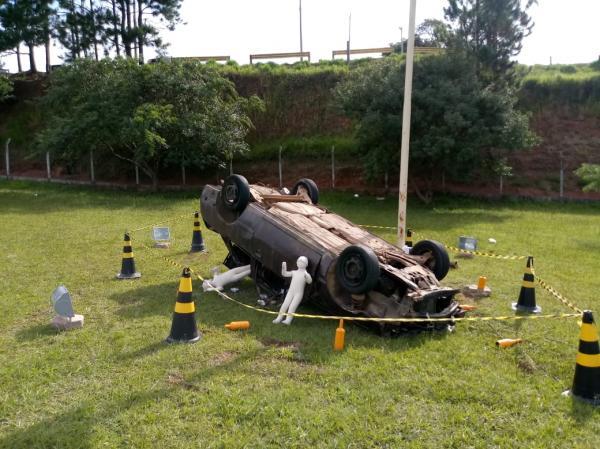 Cotia realiza campanha com cenas de acidentes para conscientizar motoristas
