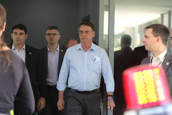 Presidente Bolsonaro rejeita regulamentação da mídia no Brasil