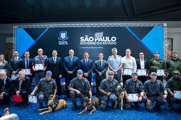 Policiais de São Paulo foram homenageados pelo Governo do Estado