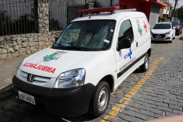 Saúde de Itapecerica da Serra recebe duas ambulâncias novas