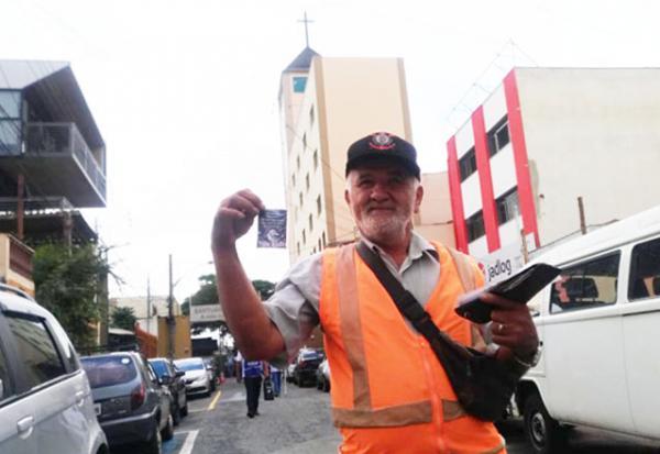 Fifa, o guardador de carros baiano que ama Taboão da Serra