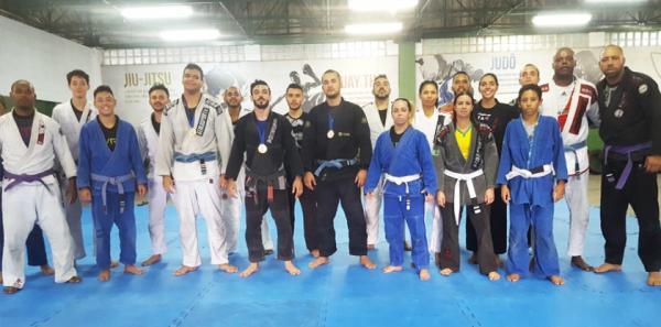 Osasco SP : Academia de Artes Marciais e Lutas, do Jardim Baronesa, conquista 3 medalhas em copa