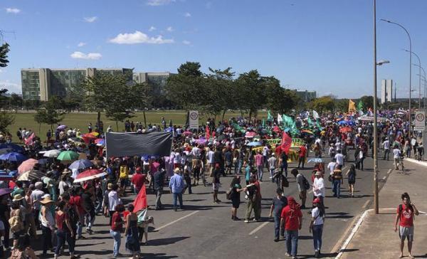 São Paulo: Manifestantes voltam às ruas por mais verbas para universidades