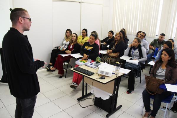 Taboão: Profissionais da Saúde passam por formação sobre atendimento à população