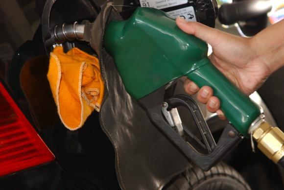 Presidente Bolsonaro anunciou nesta terça-feira 11, a redução no preço da gasolina nas refinarias