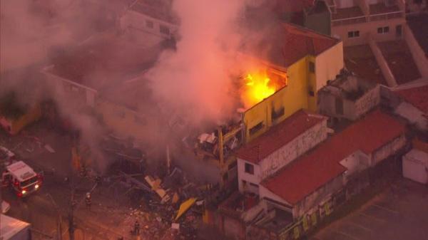 Supermercado na Vila Sônia explode e pega fogo