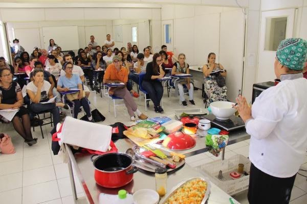 Alunos das Escolas Profissionalizantes de Taboão da Serra participam de workshops