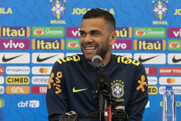 Dani Alves fala do retorno à Bahia com a Seleção Brasileira
