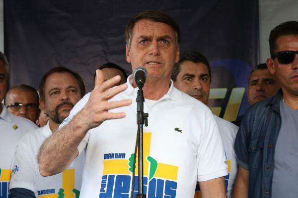 Presidente Bolsonaro disse abrir mão da reeleição se Brasil passar por reforma política