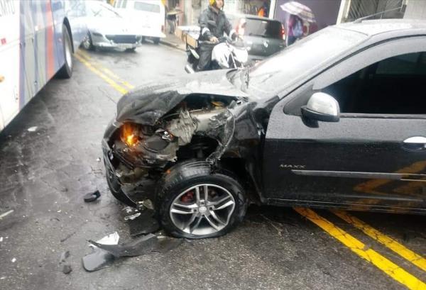 Taboão da Serra: acidente de trânsito deixa vítima no Pq.Pinheiros
