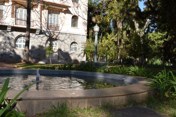 Poços de Caldas MG : Complexo de fontes do Parque José Affonso Junqueira está em pleno funcionamento