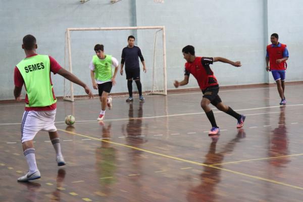 Sorocaba : Centros Esportivos promovem aulas gratuitas de futsal