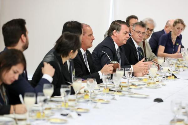 Presidente Bolsonaro diz que governo não vai criar impostos