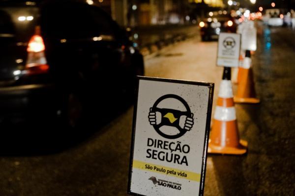 Santana de Parnaíba: Programa Direção Segura autua 14 motoristas