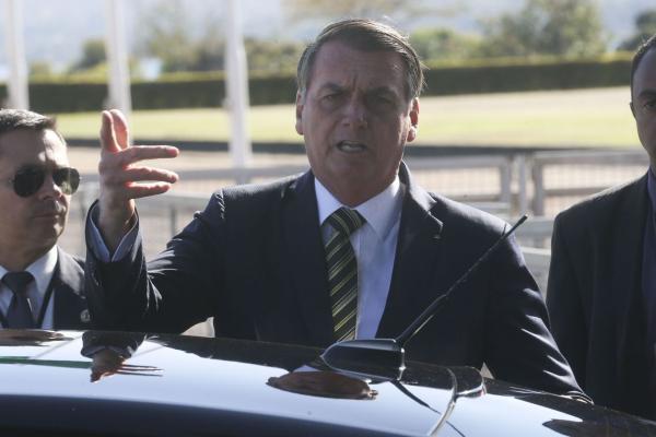 Bolsonaro diz que pretende respeitar a Lei da Anistia