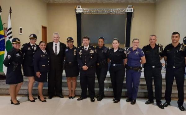 Embu das Artes SP : Guarda Civil Municipal recebe premiação em encontro nacional em Vinhedo