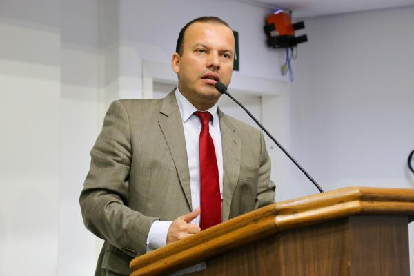 Taboão da Serra realiza audiência sobre taxistas e motoristas de aplicativo