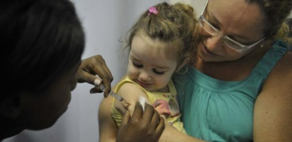 ECA garante vacinação de crianças e prevê punição em caso de descumprimento